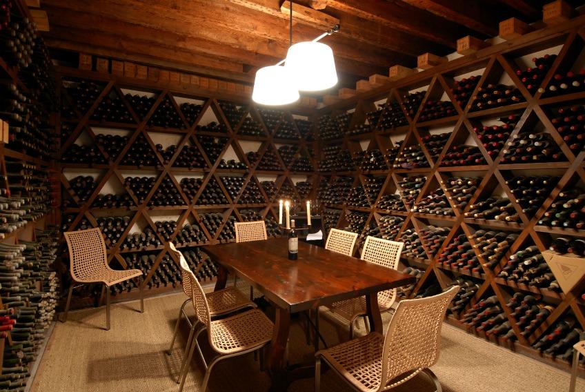 Haro_CVNE_Tasting_room_wine_cellar_la_rioja