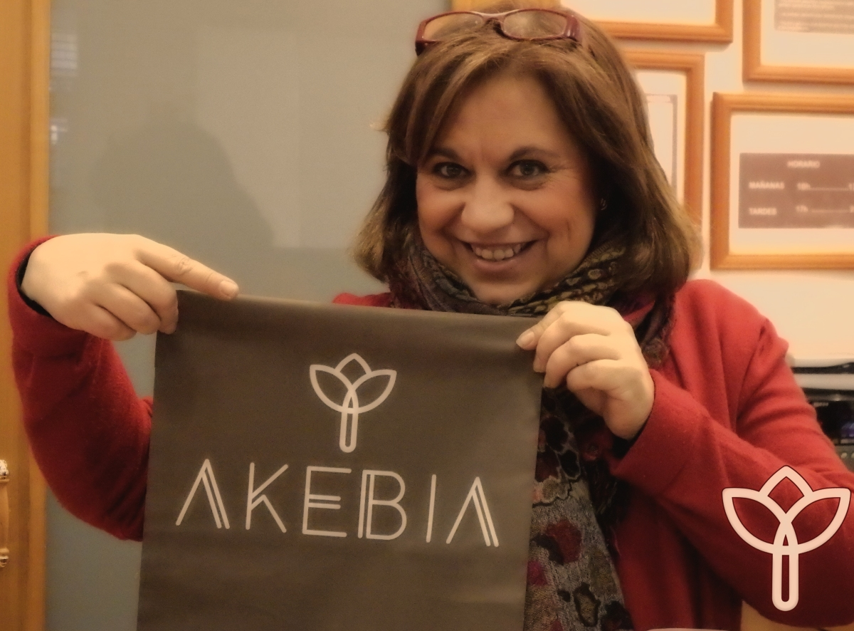"""Akebia Moda, abre mañana viernes 12"""